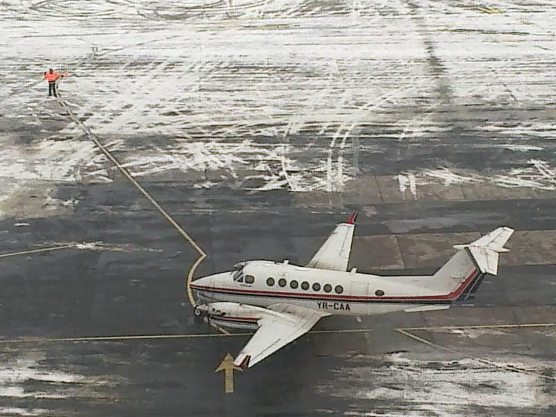 Aeroportul Timisoara (Traian Vuia) Decembrie 2010  - Pagina 2 20122010166-1