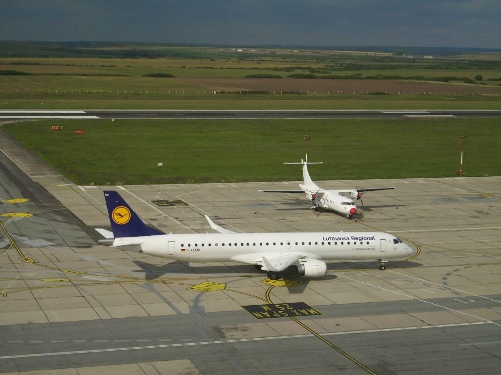 Aeroportul Timisoara (Traian Vuia) August 2014 DLH001_zps3a4d6088
