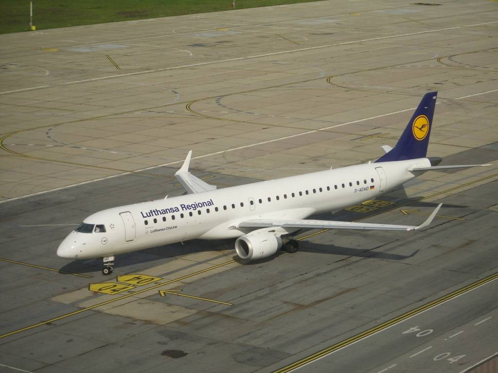 Aeroportul Timisoara (Traian Vuia) August 2014 DLH002_zpsc54d23c1