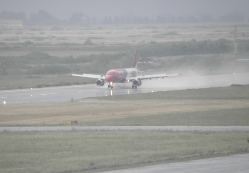 Aeroportul Timisoara (Traian Vuia) - iulie 2011 P7200053