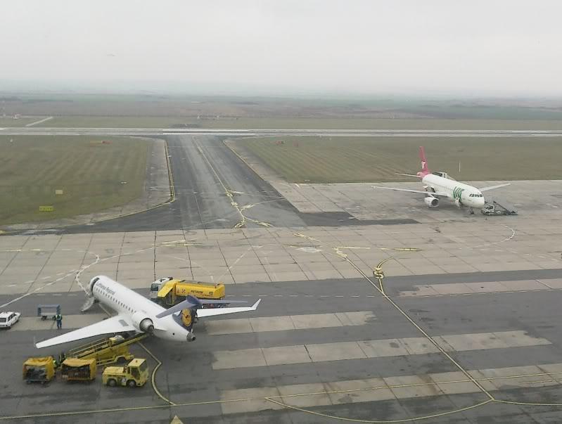 Aeroportul Timisoara (Traian Vuia) Decembrie 2010  Tsr002