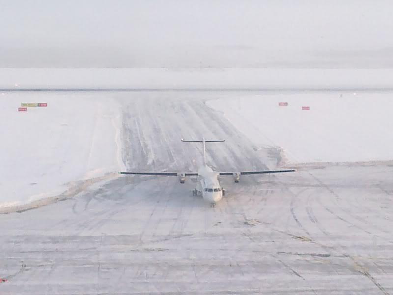 Aeroportul Timisoara (Traian Vuia) Decembrie 2010  Tsr016-1