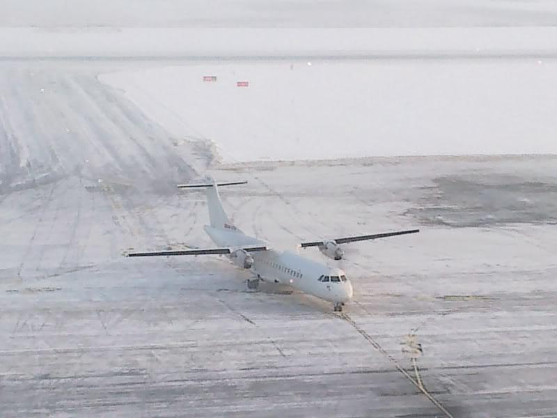 Aeroportul Timisoara (Traian Vuia) Decembrie 2010  Tsr017-1
