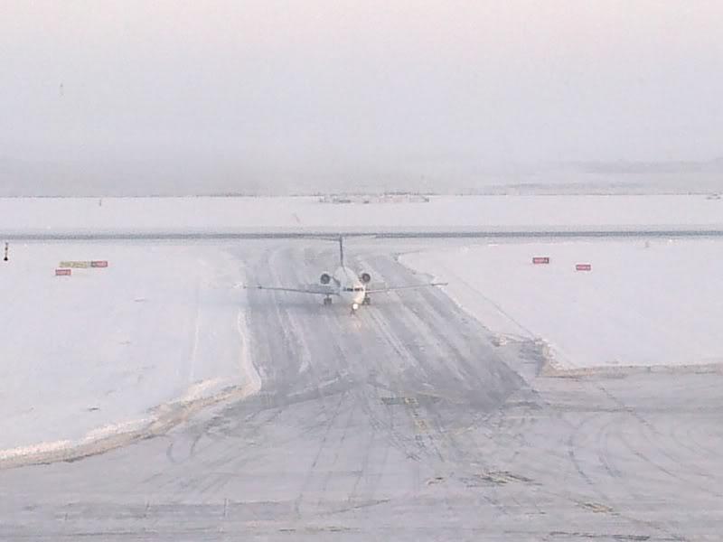 Aeroportul Timisoara (Traian Vuia) Decembrie 2010  Tsr018-1