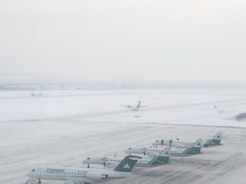 Aeroportul Timisoara (Traian Vuia) Decembrie 2010  Tsr021-1