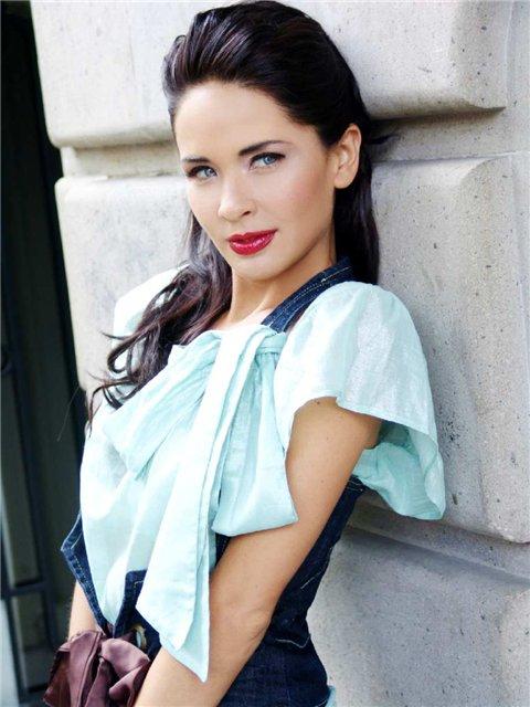 Adriana louvier/ადრიანა ლუვიერი A4a5028e84ab9f55d6ffd767ab17f560