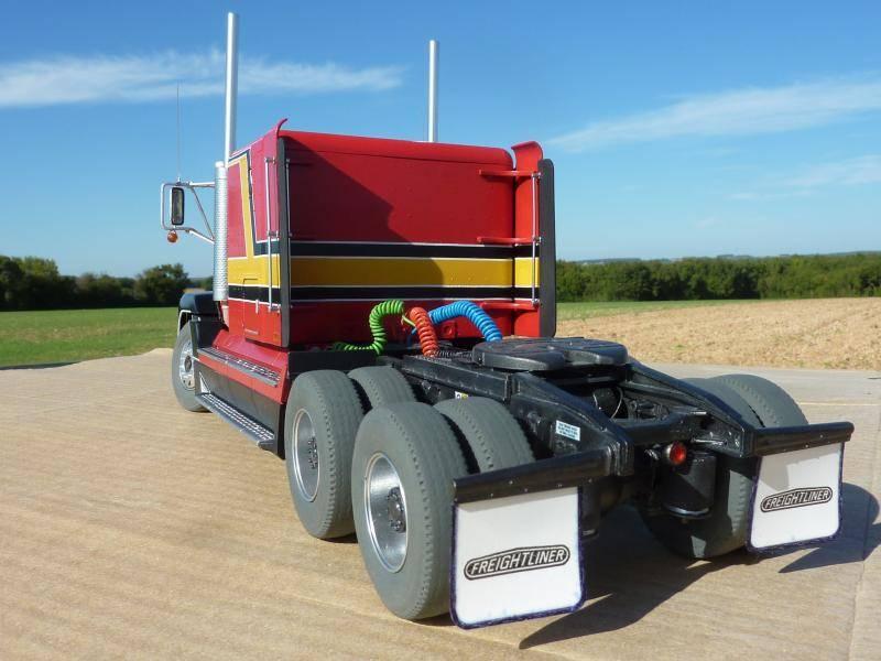 Freightliner FLD 120 P1080804_zpsf6680441