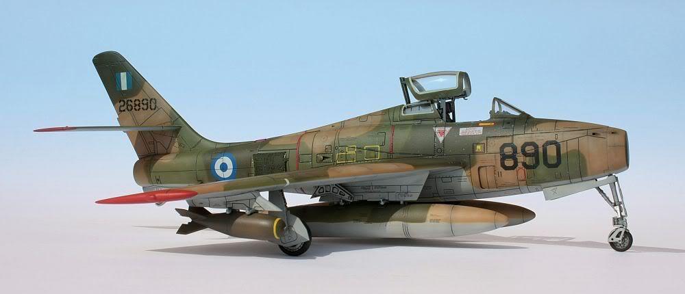 [Italeri] F-84F - 1/48e F-84F012