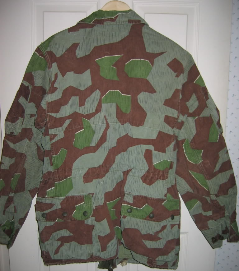 There are at least three types of Fallschirmjäger Splittertarn uniforms IMG_6112