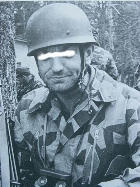 There are at least three types of Fallschirmjäger Splittertarn uniforms Kopievonrimg0274oxvy