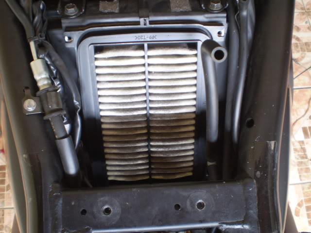 Trocando filtro de ar Bandit 650 N. - Página 2 P6110041