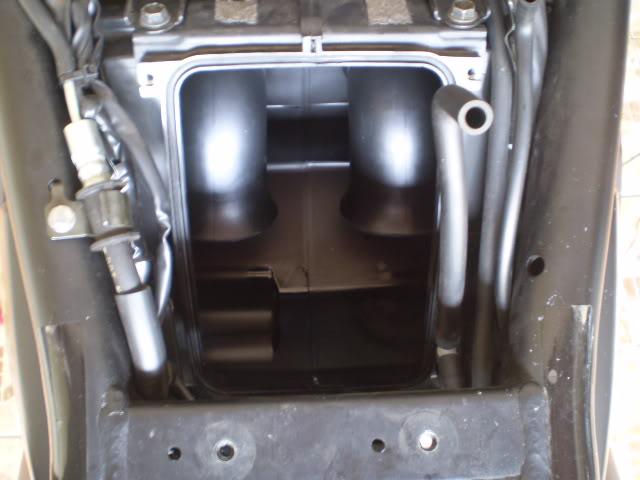 Trocando filtro de ar Bandit 650 N. - Página 2 P6110042