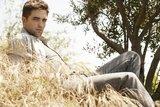 Nouveaux outtakes du shooting de Robert Pattinson pour Carter SMITH Th_robherbe