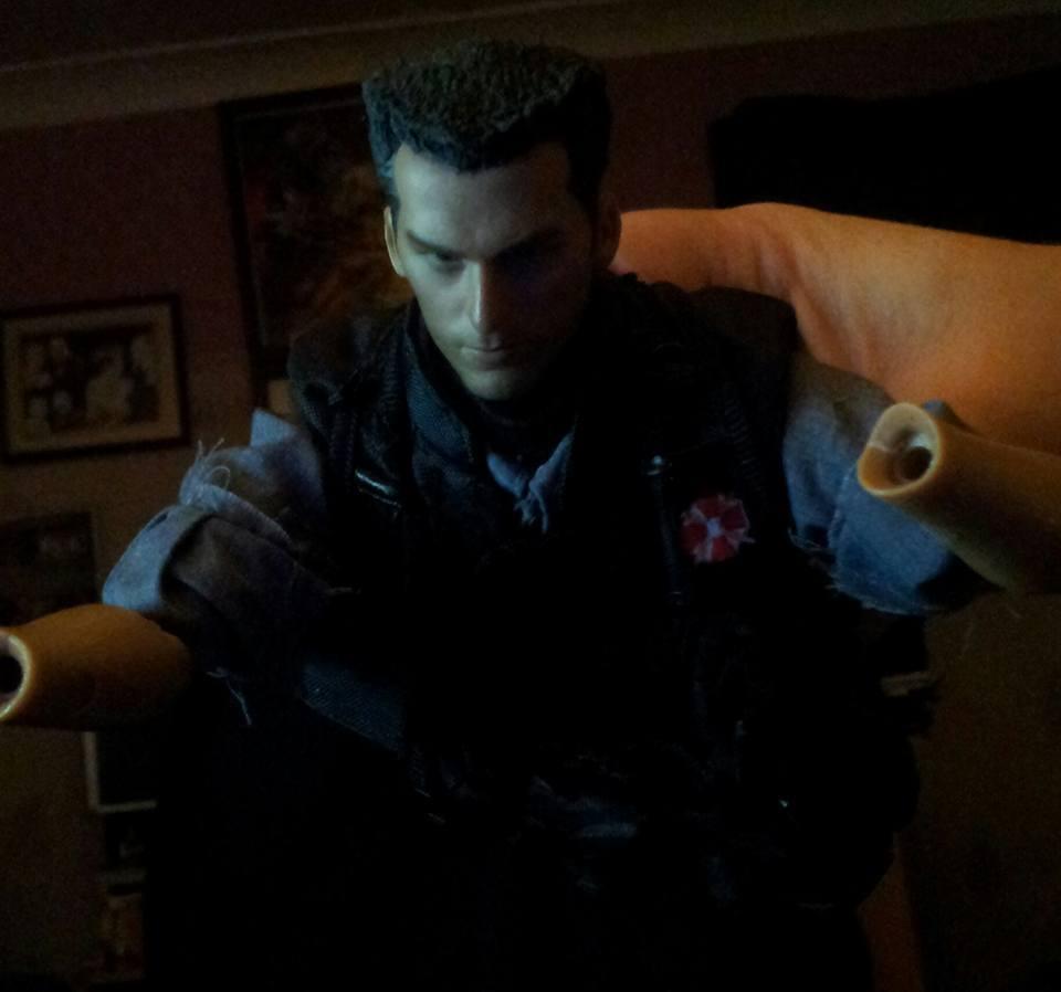Resident Evil Apocalypse CARLOS figure. Update 13th/11/15 Zteaser1_zpsnlfrz56x