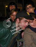Robert Pattinson, Kristen Stewart , Taylor Lautner et Chris Weitz, à Paris, le 10 Novembre 2009... Th_Photo538copie