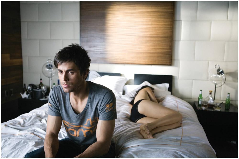 Enrique Iglesias/ენრიკე იგლესიასი - Page 4 E1de1c13875c70c8022dc1a7b7d995f5