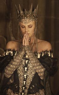 მსახიობები ,რომლებსაც დედოფლის როლი უთამაშნიათ !!! Bfa33c7c1211ba6beb3a541b8025fb15