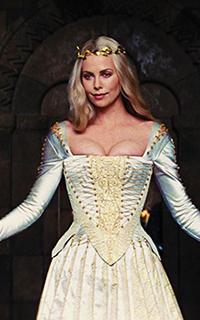 მსახიობები ,რომლებსაც დედოფლის როლი უთამაშნიათ !!! E2d40a022beebb0b2da3fe8c0c55c05d