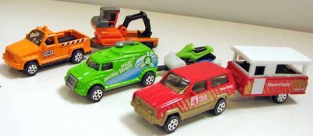 Matchbox 2011 Abril Report - Nissan Cube, Ford Taurus Interceptor y más Hitch-n-haul-sets