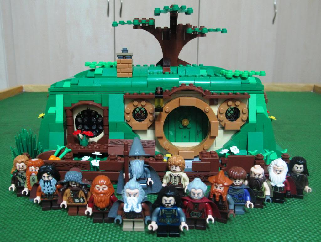 Review: [The Hobbit] 79003 An Unexpected Gathering 30_zps9c06ac04
