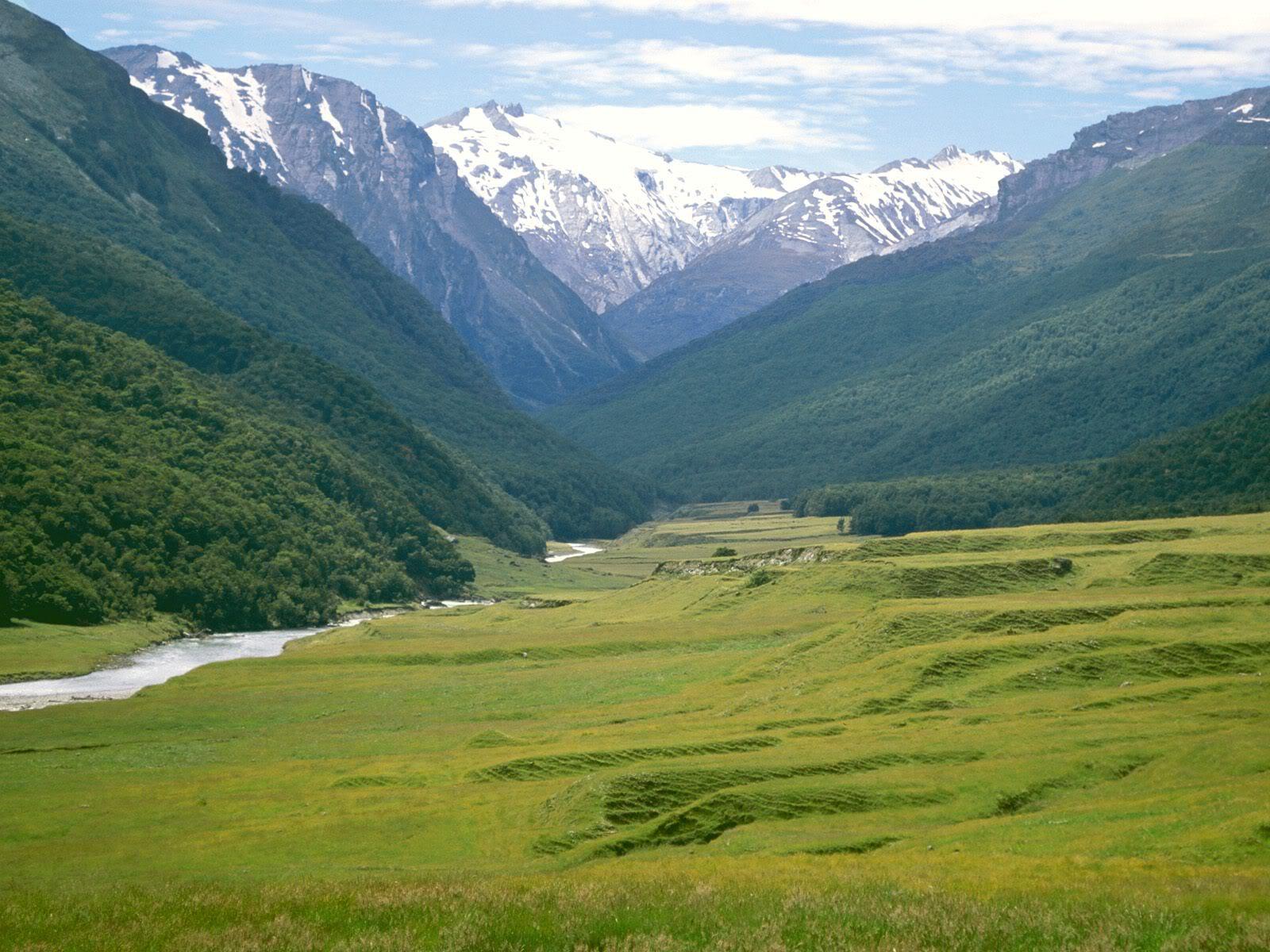அழகு மலைகளின் காட்சிகள் சில.....02 - Page 22 CattleFlatsDartRiverNewZealand
