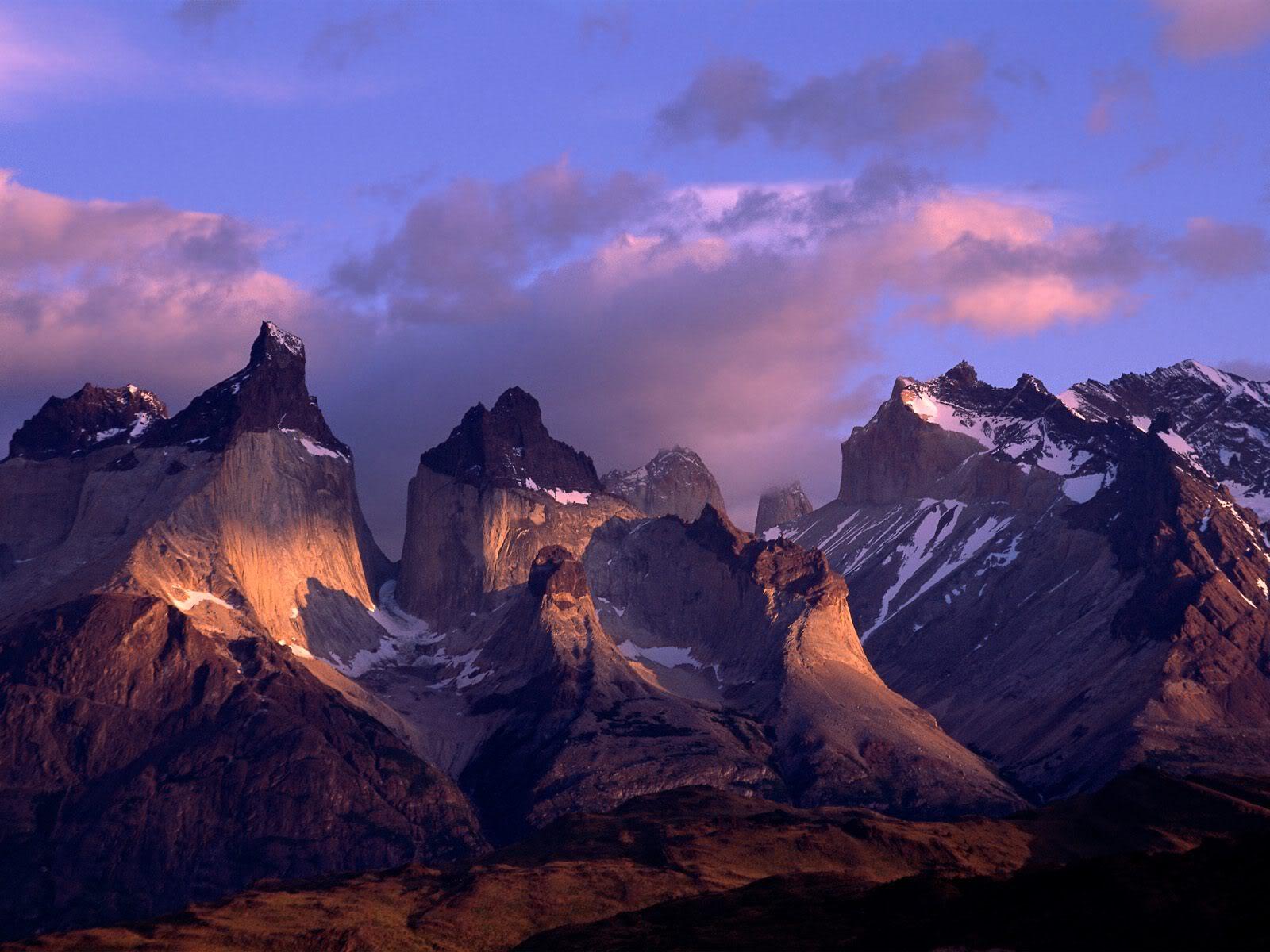 அழகு மலைகளின் காட்சிகள் சில.....02 - Page 22 CuernosDelPaineAndesMountainsChile
