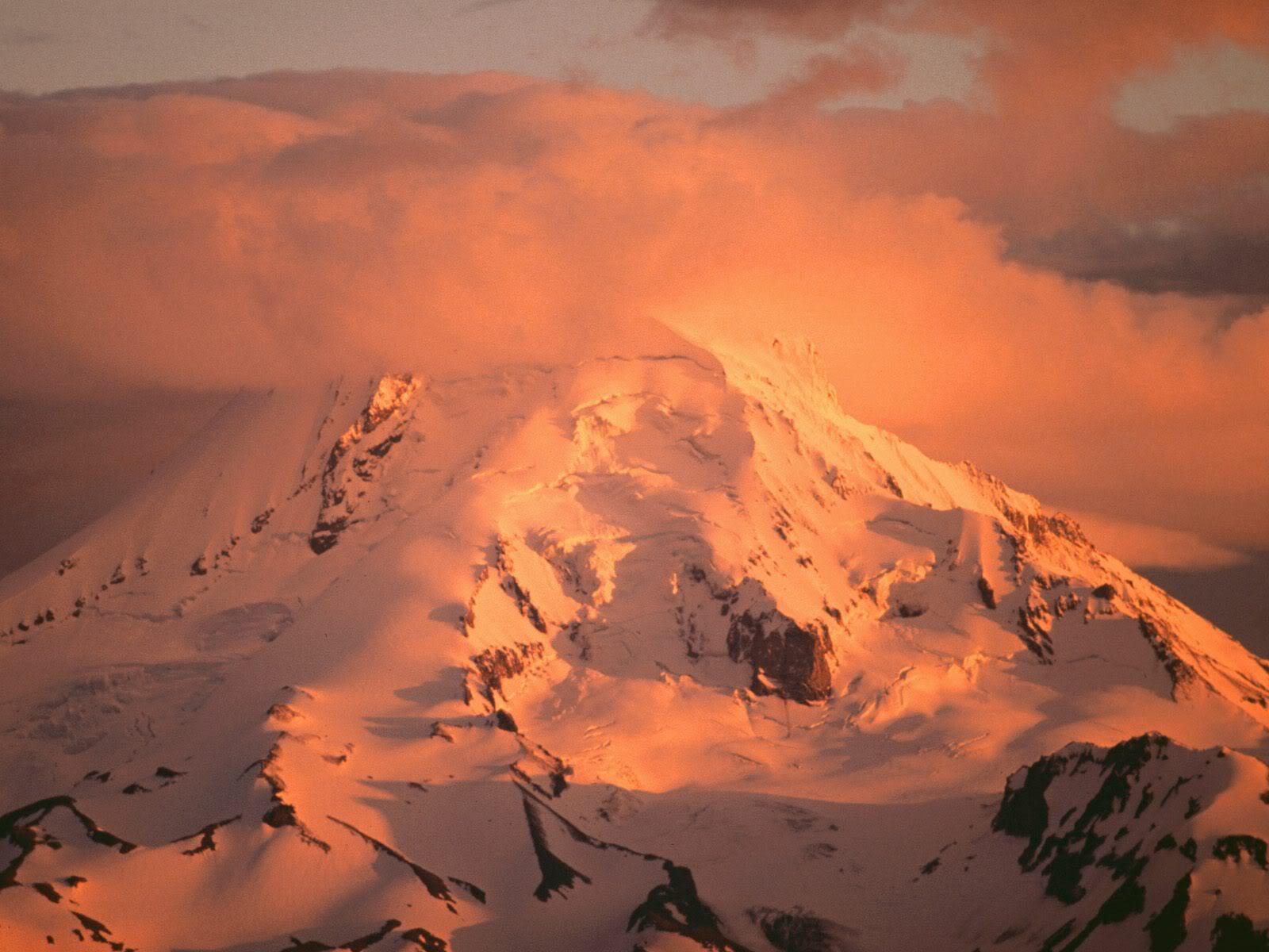 அழகு மலைகளின் காட்சிகள் சில.....02 - Page 22 MountHoodatSunsetOregon