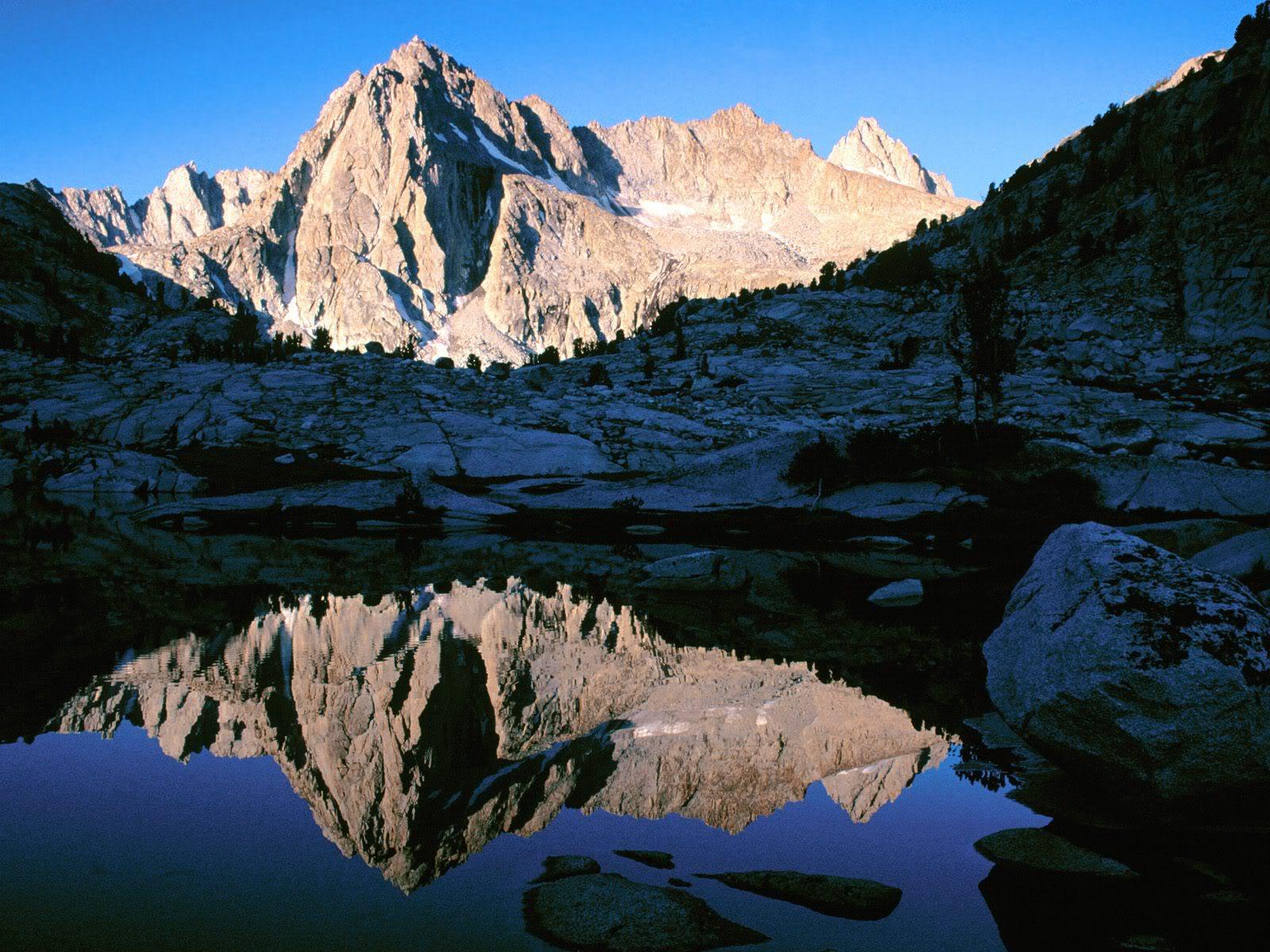 அழகு மலைகளின் காட்சிகள் சில.....02 - Page 22 PicturePeakJohnMuirWilderness