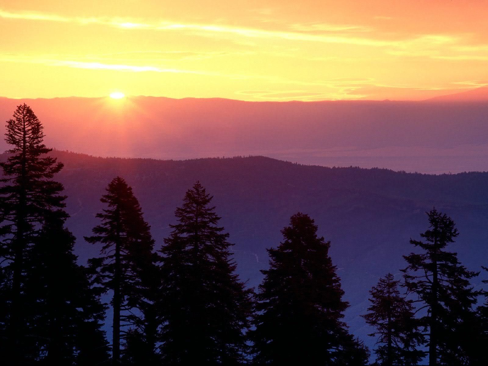அழகு மலைகளின் காட்சிகள் சில.....02 - Page 22 SunriseatPlaskettRidgeCalifornia