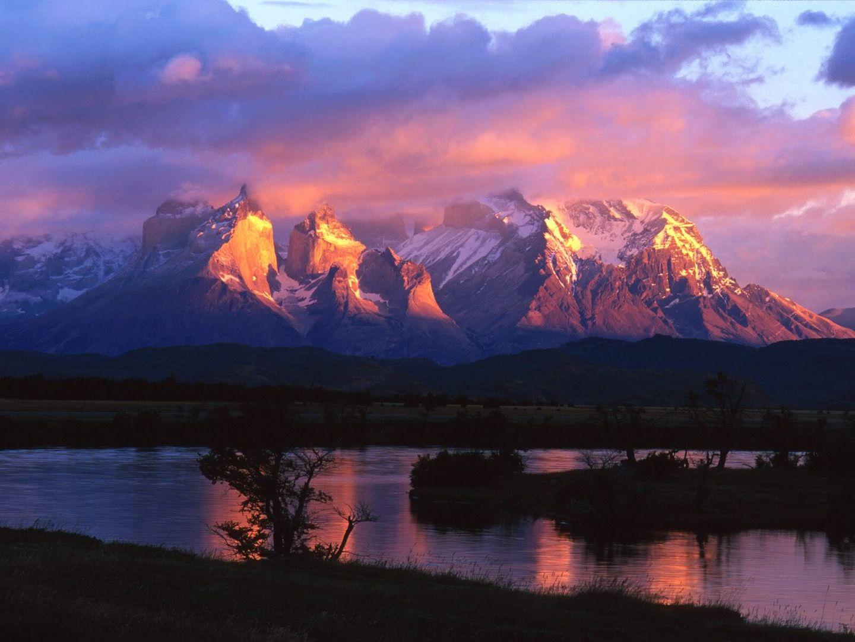 அழகு மலைகளின் காட்சிகள் சில.....02 - Page 22 TorresdelPaineSerranoRiverChile