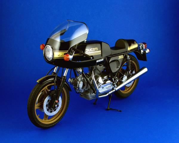 Ducatti 900SS Ducatti9001_zpsa4ed0541