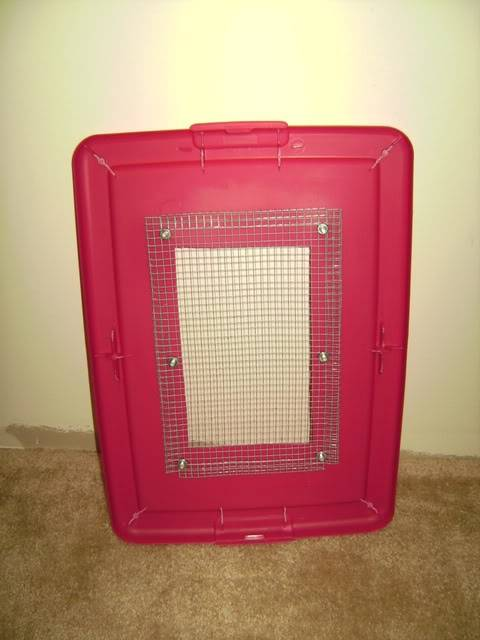 What are your comments on housing mice in large plastic totes PICT5939