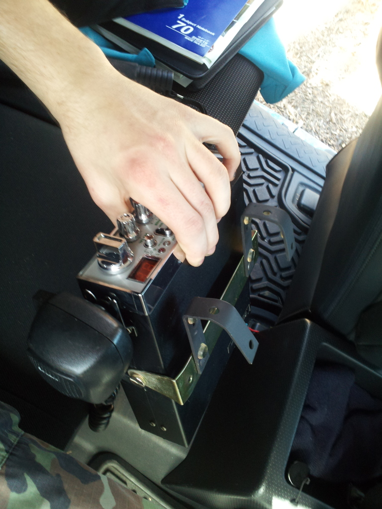 Mounting a Full Size CB Radio (WITHOUT cutting/drilling) 2012-03-03131506