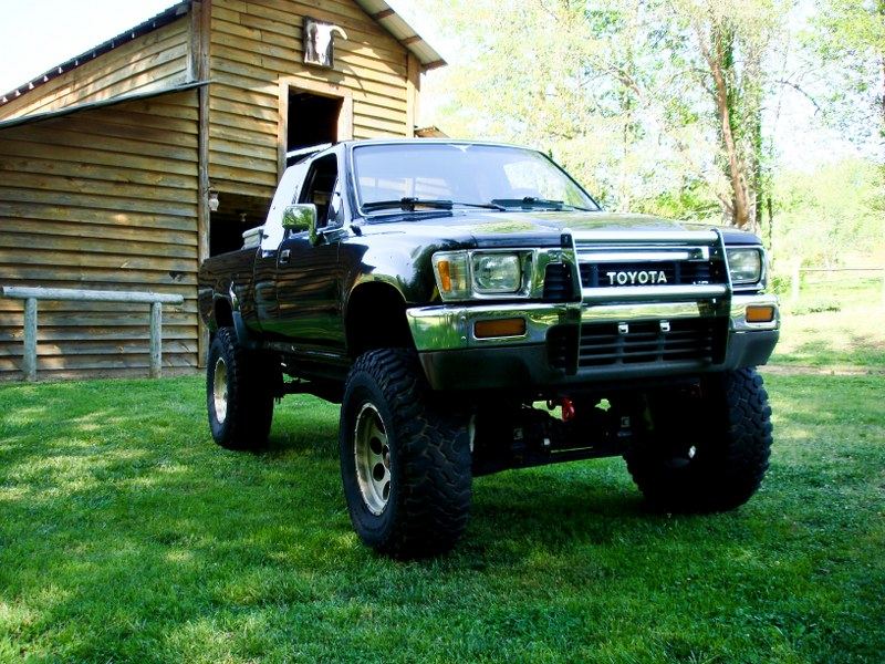 Feeler:  1989 Toyota Xtracab SR5 4x4 (lifted and locked) April14-10_800x600