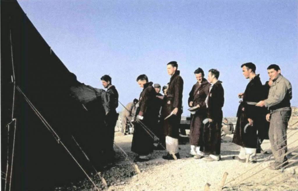 Fotogalerija Capa_US_Mess_Time_Tunisia_1943