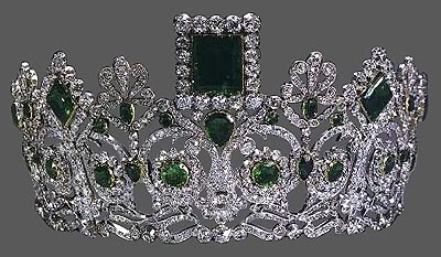 Queen Anne's crowns & tiaras Emerald-6