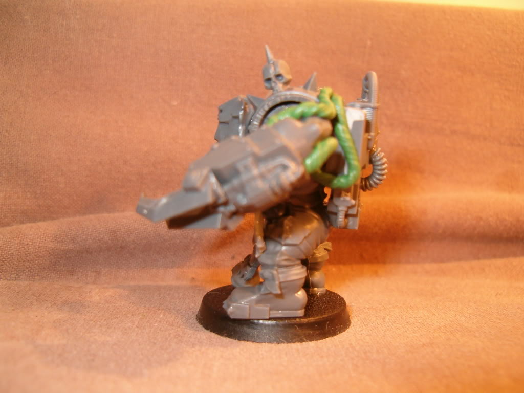 Inquisitor Orks - 40k Kill Team HPIM1532_zpsc8b1e388