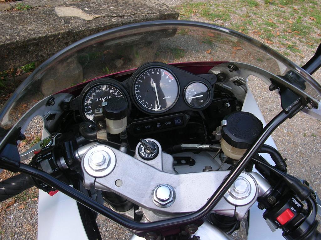 Otra compañera para las Suzuki DSCN4894_zps9mekfrbn