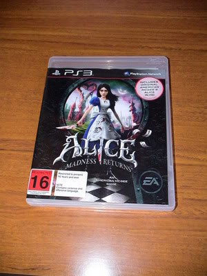[Seller] CLEAROUT: Manga, Figurines, Alice: Madness Returns, DVDs,etc DSC06905