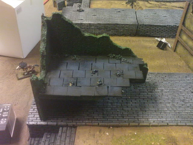 Goonstah's try for a mordheim table [picture heavy, WIP] DSC00064
