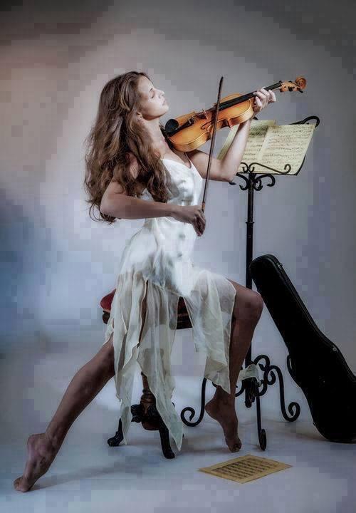 Zena i muzika - Page 2 Tumblr_niykhn29Qn1rcf4reo1_500_zpssjyjisgg