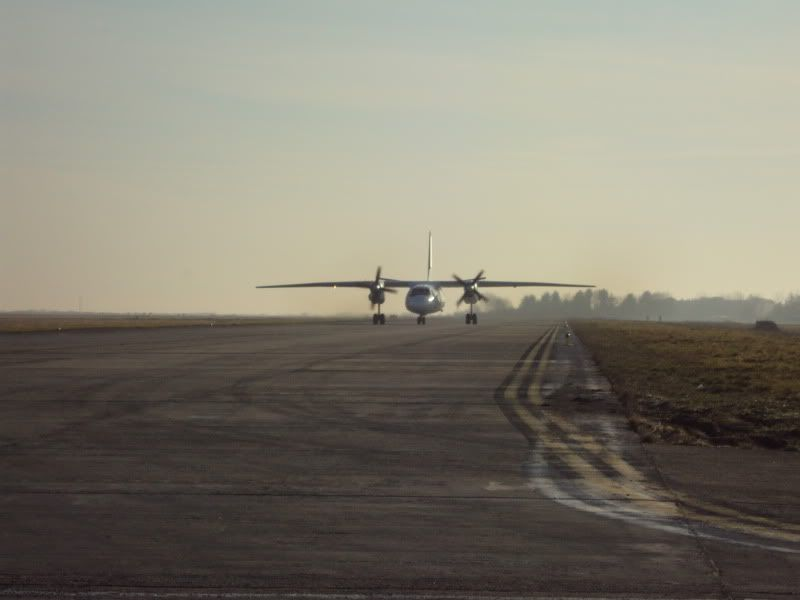 Aeroportul Timisoara (Traian Vuia)  - Ianuarie 2011 AN26HA-TCT1101181-1