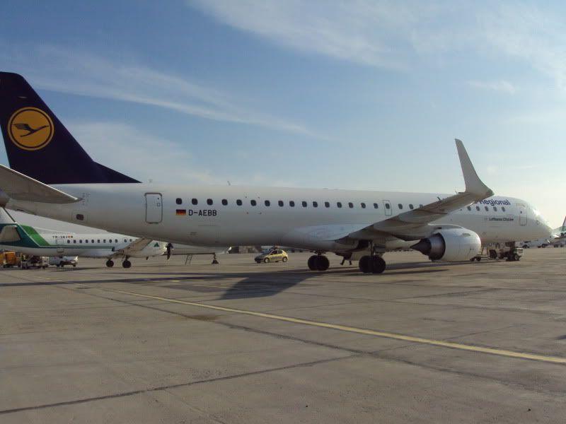 Aeroportul Timisoara (Traian Vuia)  - Ianuarie 2011 E195DAEBBDLH1101183-1