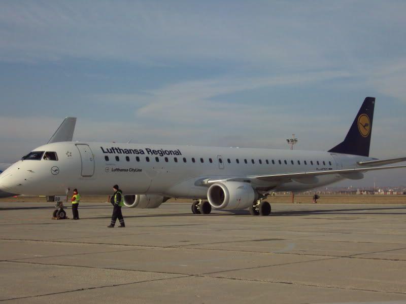 Aeroportul Timisoara (Traian Vuia)  - Ianuarie 2011 E195DAEBBDLH1101184-1