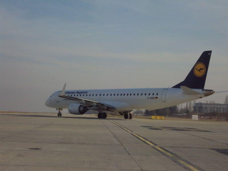 Aeroportul Timisoara (Traian Vuia)  - Ianuarie 2011 E195DAEBBDLH1101185-1