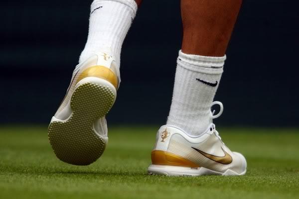 Los pies de Roger. 021838801