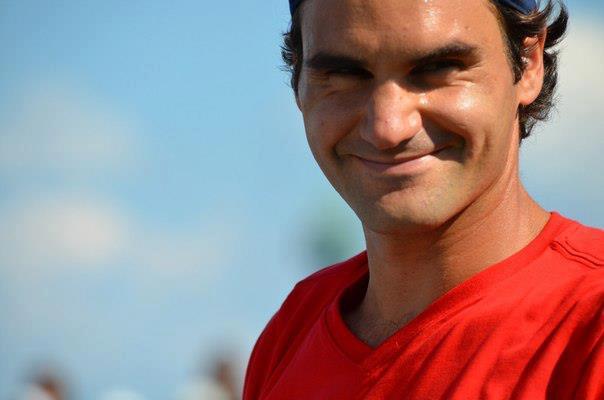 La sonrisa de Roger - Página 16 483889_506532389390517_1368592469_n