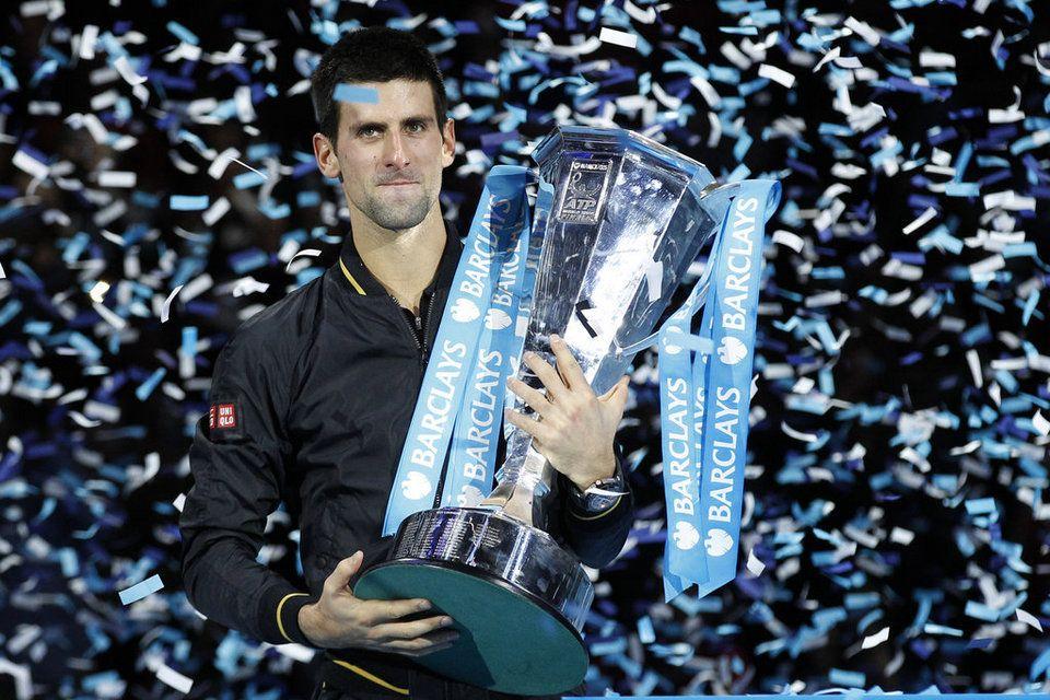 ATP World Tour Finals 2012 (del 5 al 12 de noviembre) - Página 11 Novak-Djokovic-of-Serbia-holds_54354441555_54115221152_960_640