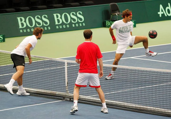 Stanislas Wawrinka y Roger Federer - Página 3 261790_215637925147676_165795846798551_649146_3261679_n