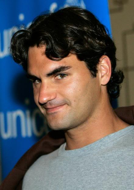 Votemos:¿Cual es la foto más sexy de Roger? - Página 2 Ausopen070118unicefpose07